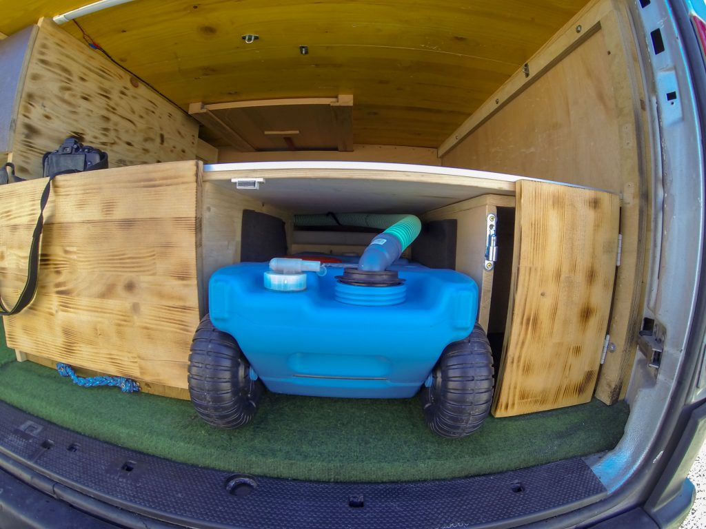 Abwassertank Campingbus