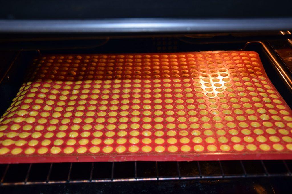 Backmatte im Ofen