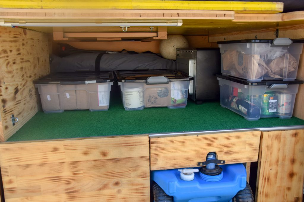 Campingbus Ausbau Stauraum