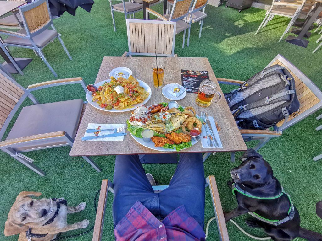 Hard Rock Cafe Malaga mit Hund