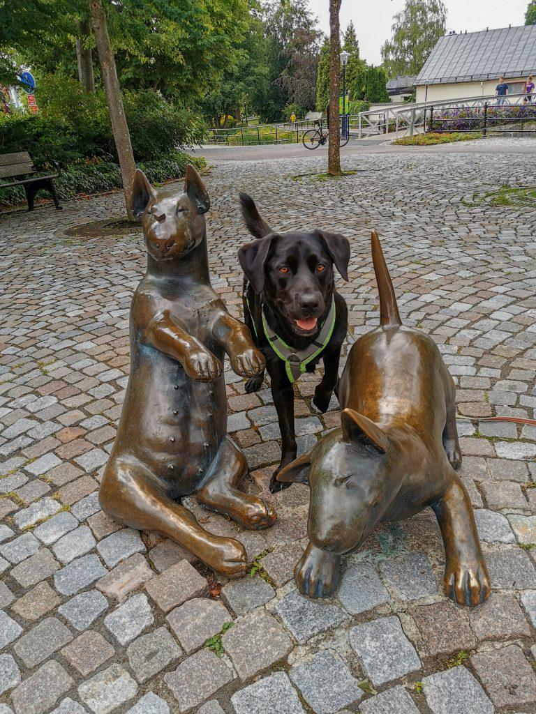 Hundeskulpturen
