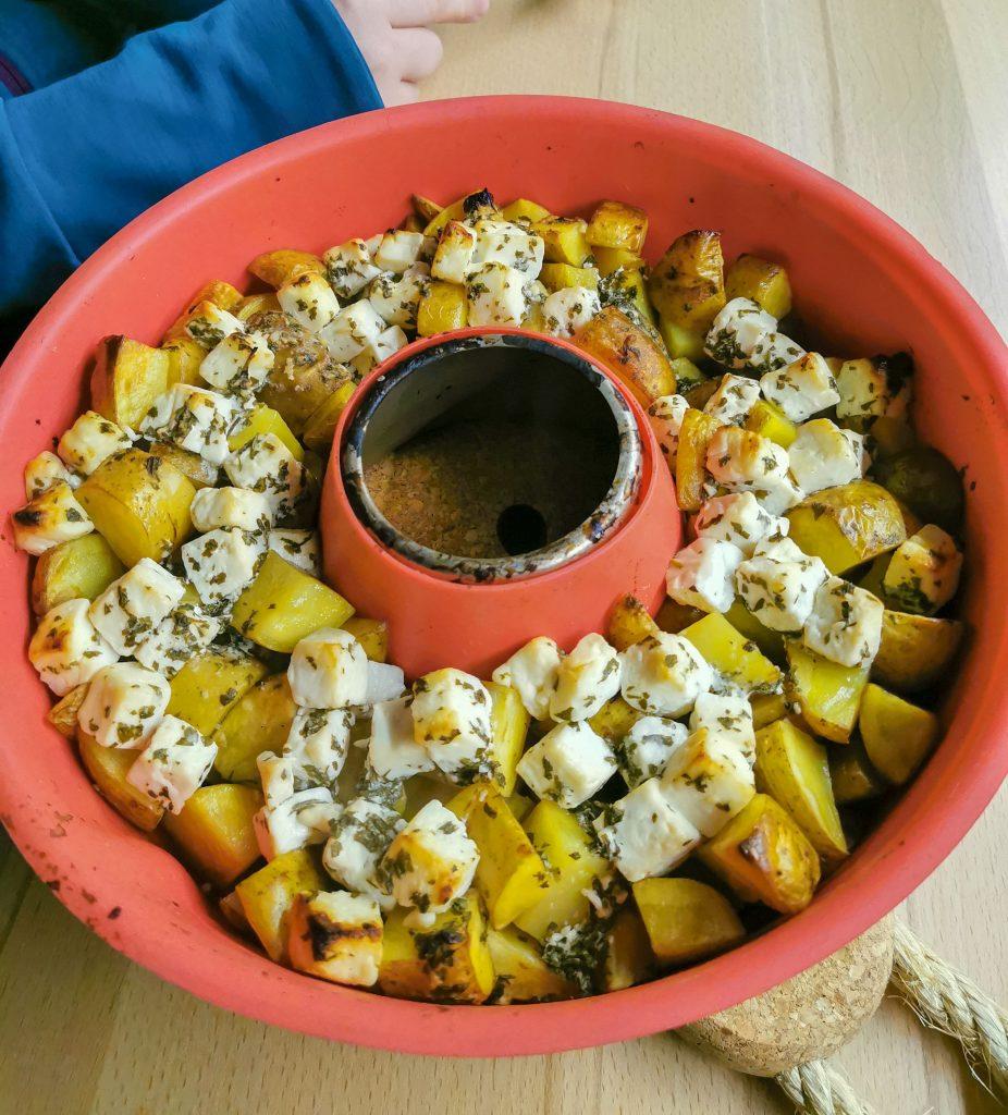 Kartoffeln mit Feta im Van