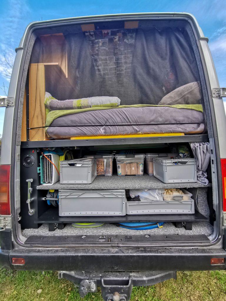 Kofferraum im Van neu